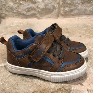 Osh Kosh toddler size 6 shoes